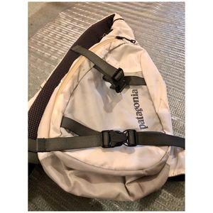 USED PATAGONIA ATOM SLING 7L BAG